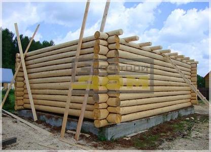 Строительство сруба из строаганного бревна